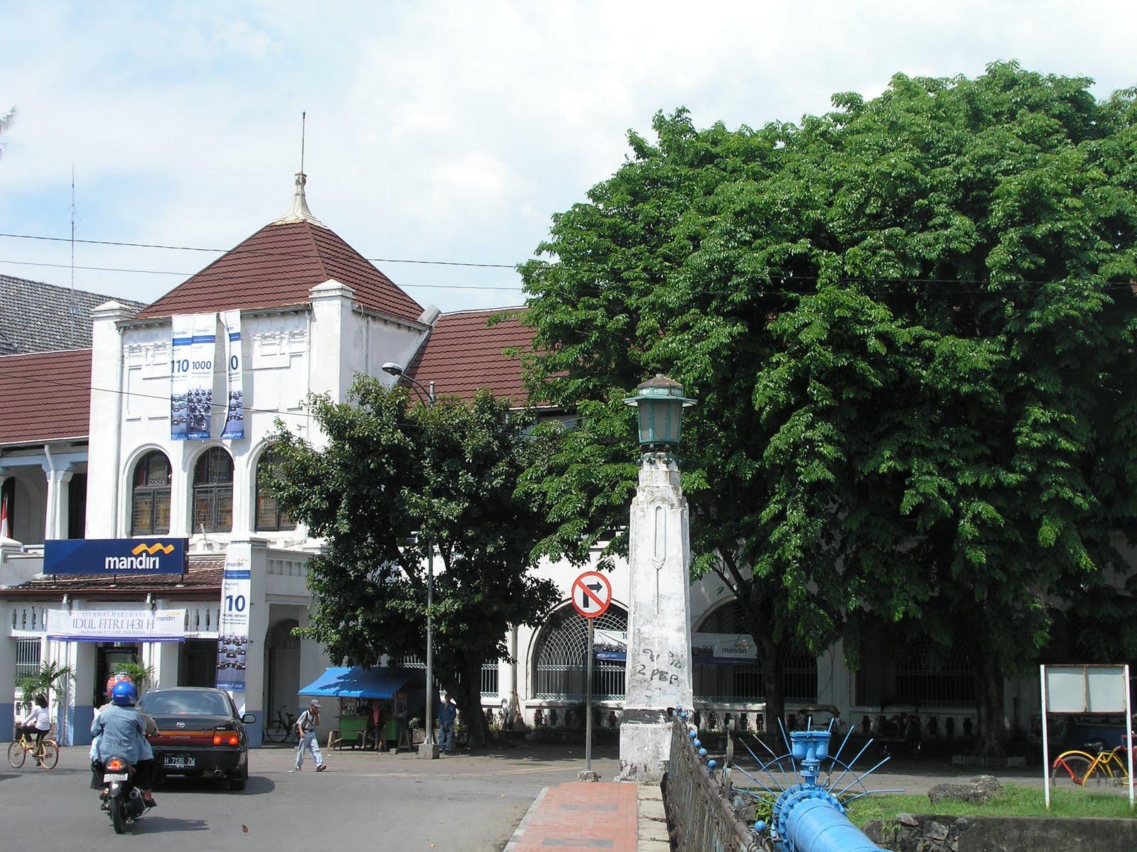 Semarang A City Walkthrough Gedung Bank Mandiri Near