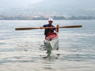 corretta posizione del busto con il kayak inclinato