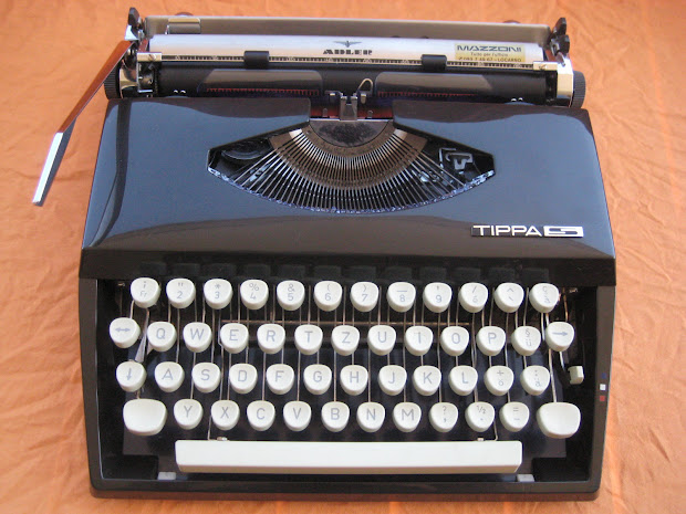 Retro Tech Geneva Adler Tippa Black Typewriter