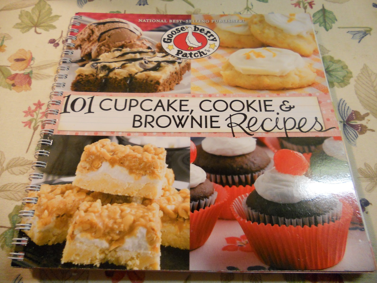 """... of Gooseberry Patch's new Cookbook """"101 Cupcake, Cookie & Brownie  Recipes"""" and as I was flipping through the pages I found a recipe for  Chocolate Chip ..."""