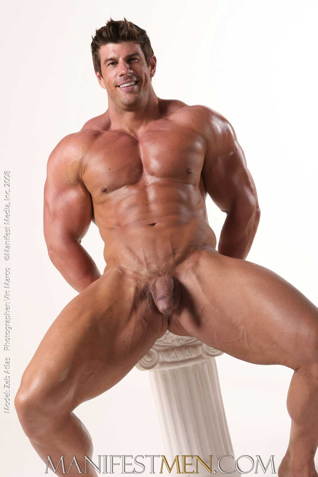 Hot nude muscle man