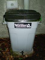 Worm bin home sweet home