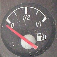 Picture of fuel guage at empty.