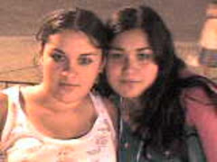 Eliana y otra amiga