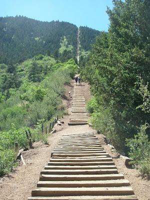 Ambergesa Hiking The Incline