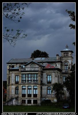 El Palacio de Partarriu donde se rodó el Orfanato en Llanes, Asturias