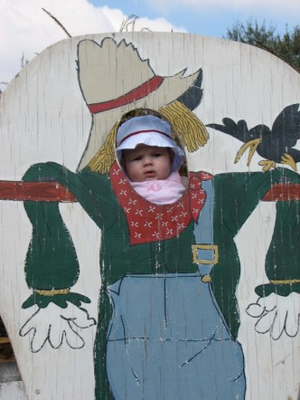 [alida+scarecrow.jpg]