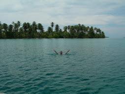 Nadando en San Blas