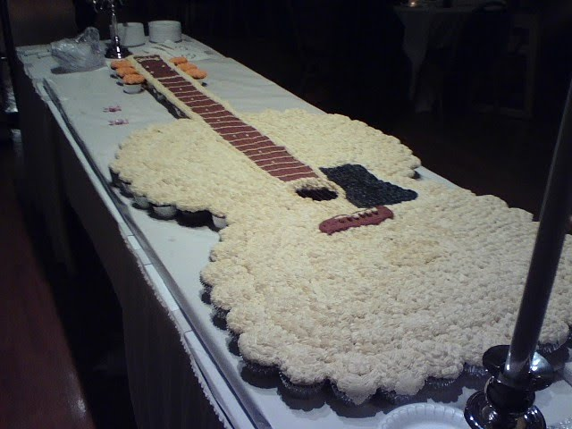 every day with dan guitar shaped wedding cake. Black Bedroom Furniture Sets. Home Design Ideas