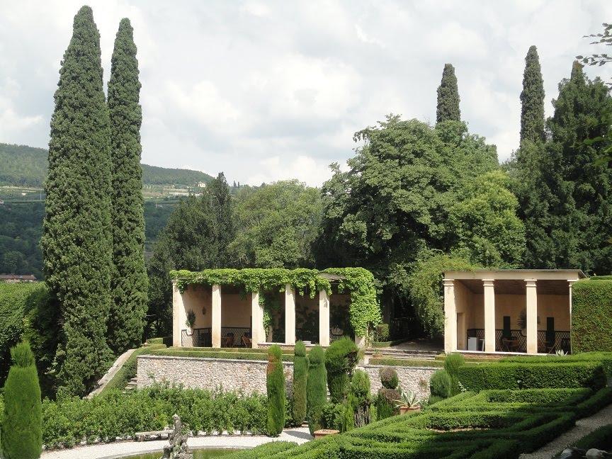 hortibus voyage demeure historique en venetie jardins prives autour de verone. Black Bedroom Furniture Sets. Home Design Ideas