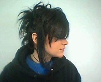 اكبر مكتبه للـ ايمو Black-emo-hairstyle-1