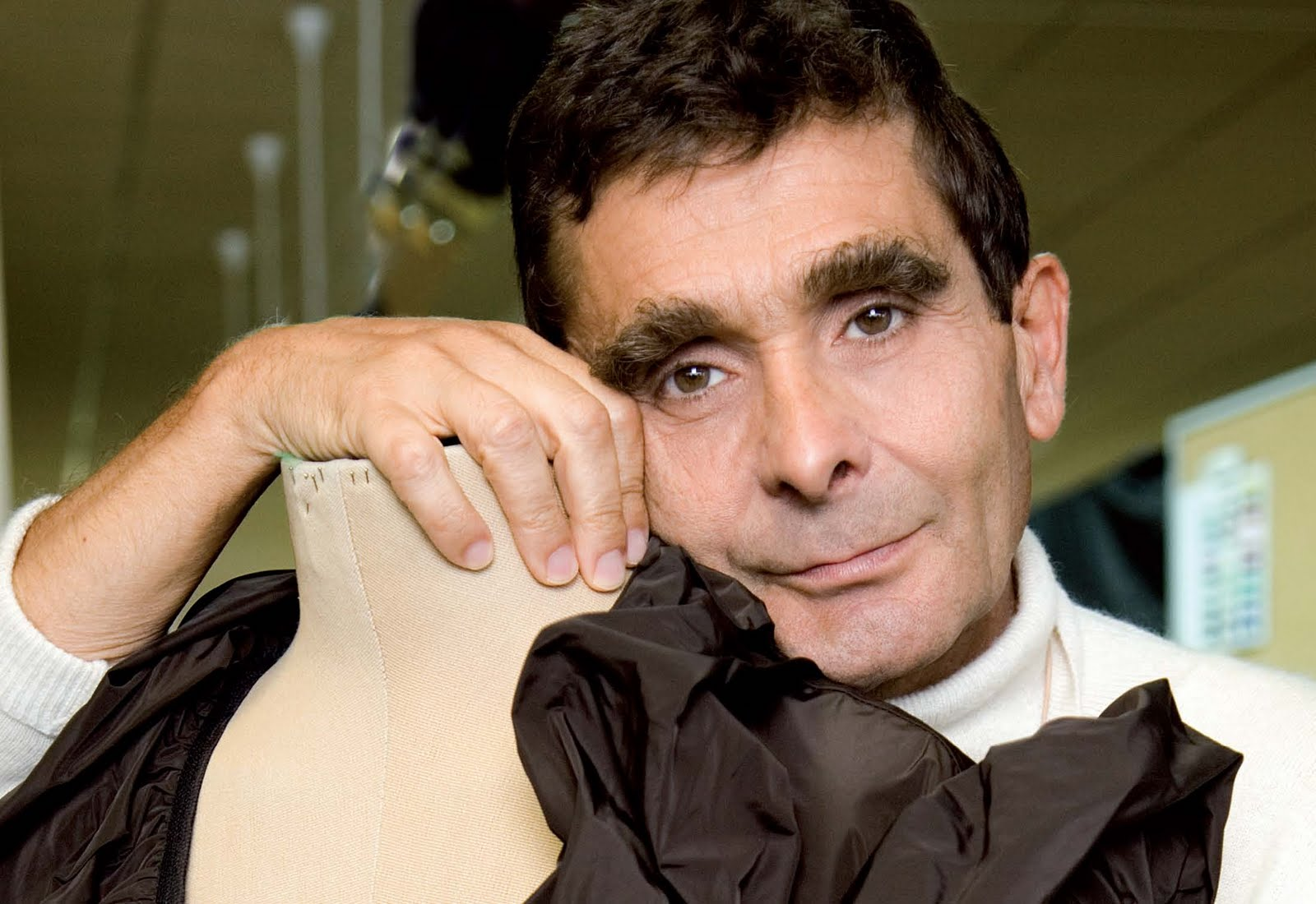 Pensamientos delirios y otras certezas 10 famosos que for Adolfo dominguez barcelona spain