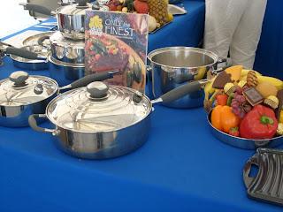 Stand de utensilios de cocina en la Expo YES.