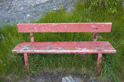 rRed bench