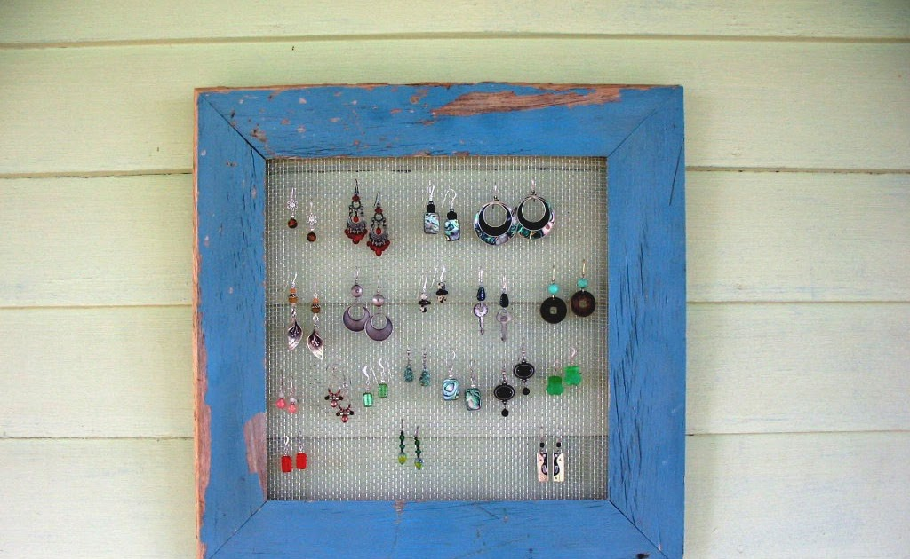 Earring Holder: Screen Earring Holder,