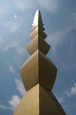Constantin Brancusi - Coloana infinitului