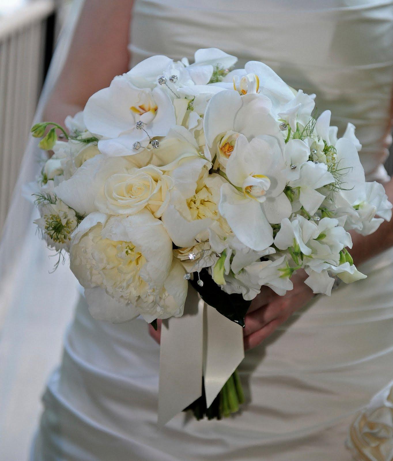 June Wedding Flowers: .: Elegant June Wedding