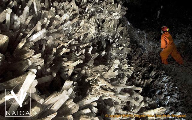 Resultado de imagen para grutas de naica, cristales