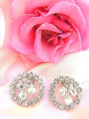 Dating rhinestone jewelry