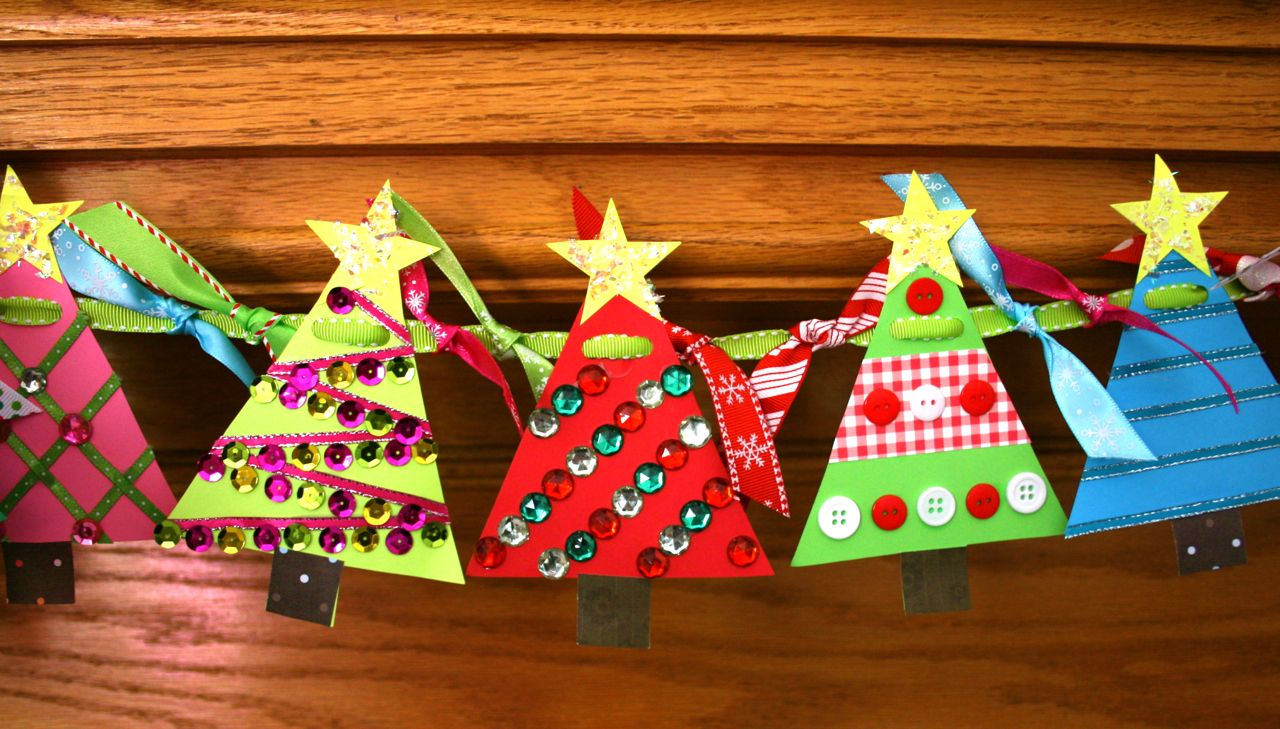 SmartBottom Enterprises Christmas Tree Banner Craft Kit