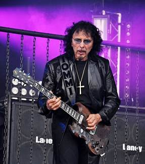 nightwatcher 39 s house of rock tony iommi 39 s gibson sg guitar stolen at high voltage festival. Black Bedroom Furniture Sets. Home Design Ideas