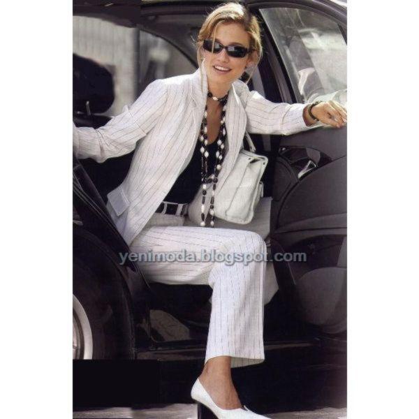 b4d5fd5a0adf0 Spor Bayan Takım Elbise Modeli ve Beyaz Renkli Ayakkabı Modeli Siyah Renkli  Sarar Bayan Takım Elbiseleri