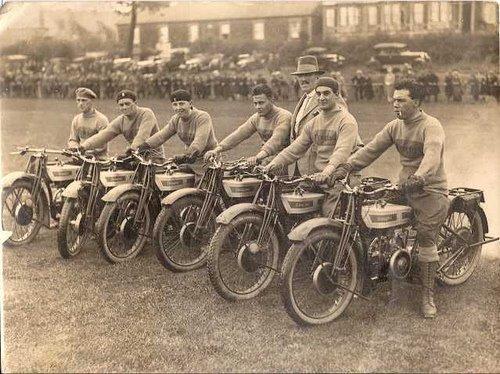 Amigos com suas motos