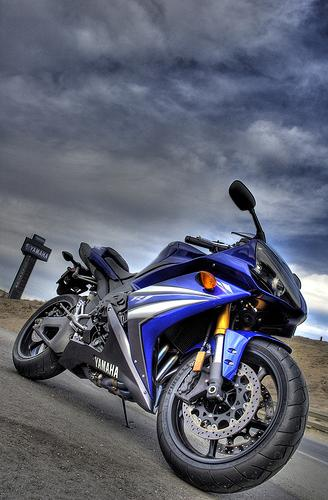 Moto Yamaha Azul