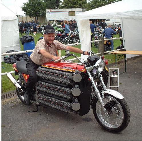 Moto com motor grande