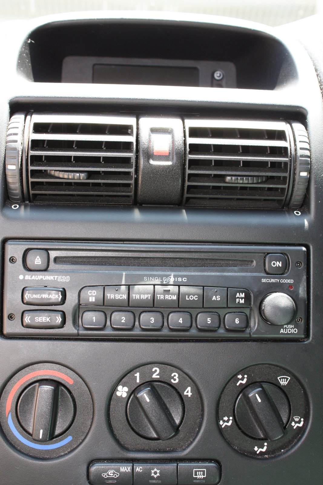 Blaupunkt 420 Wiring Diagram Archive Of Automotive Bt Remove A 520 Car Stereo Head Unit From 2005 Astra Rh Funhello Com