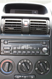 remove a blaupunkt 520 car stereo head unit from a 2005. Black Bedroom Furniture Sets. Home Design Ideas