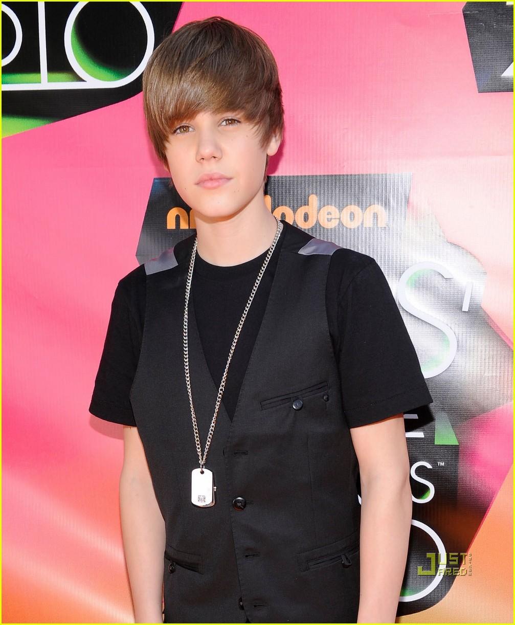 Jovenes y Famosos: Justin Bieber en los KCA 2010