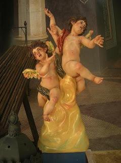Los ángeles cirineos de Pasión en Cortefiel