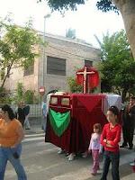 La Cruz de Mayo del Encuentro recorrió las calles de Ciudad Jardín