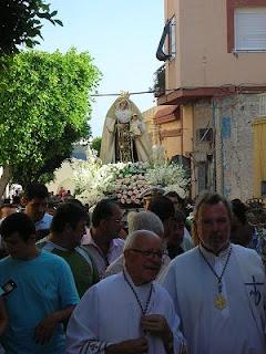 La Virgen del Carmen recorrió Pescadería entre el fervor de los vecinos