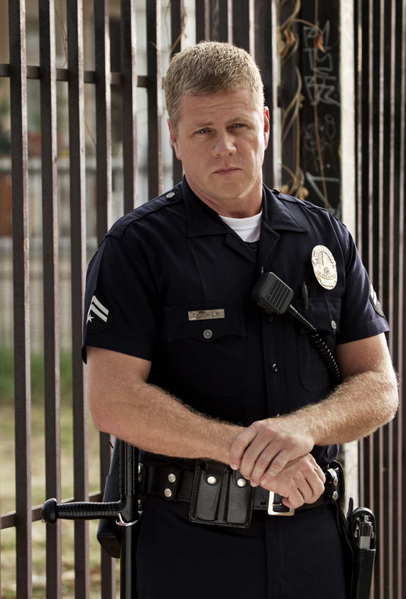 "Video And Tv Cast For Samsung >> I Like to Watch TV: ""Southland"": Michael Cudlitz, Ben McKenzie Cast Photos"