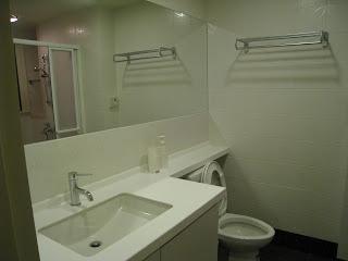 浴室(鏡子很大吧)