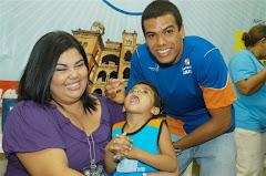 Andre Brasil durante a Vacinação Paralisia Infantil na Fiocruz - Rio de Janeiro - RJ