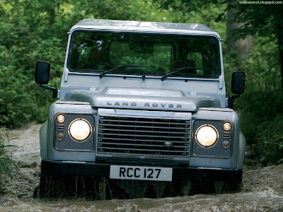 Land Rover Defender Standard Resolution Wallpaper 2