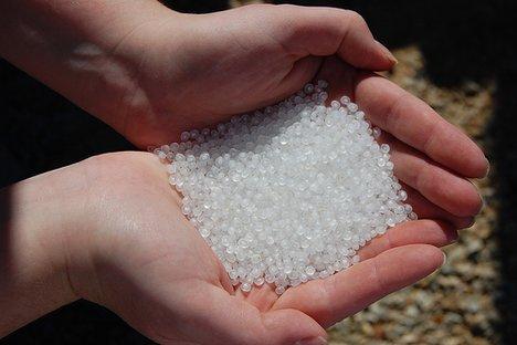 Pemanfaatan Limbah Plastik Menjadi Pallet Plastik