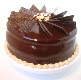 ... Daring Bakers: Hazelnut Gateau with Praline Buttercream - SugarHero