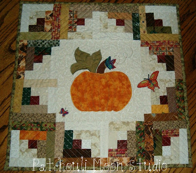 Round Quilted Table Topper Patterns Free Quilt Patterns