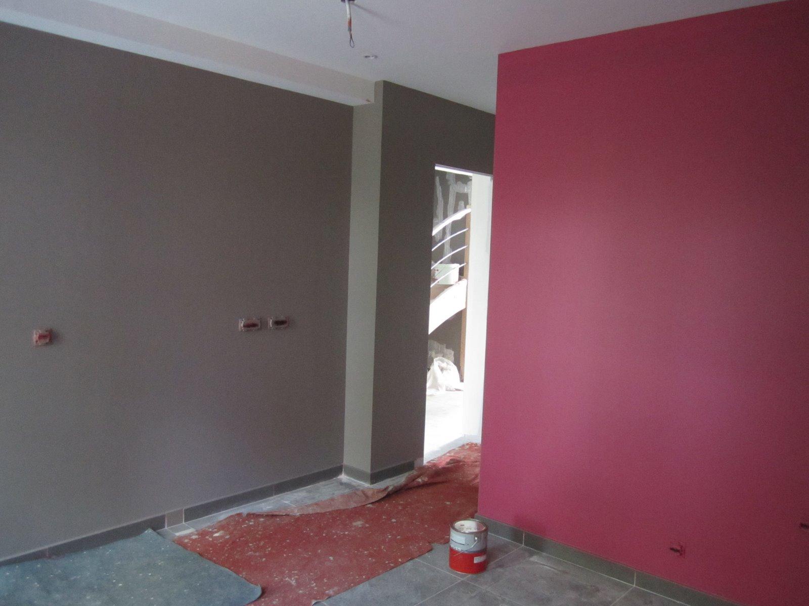 peinture chambre gris et rouge. Black Bedroom Furniture Sets. Home Design Ideas