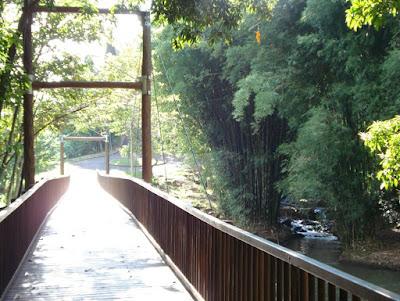 Ponte sobre o Rio Jacaré-Pepira, no perímetro urbano de Brotas.