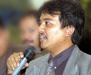 Roy Suryo Meras Luna maya