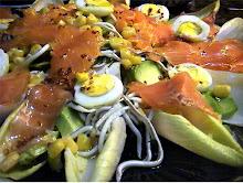 Ensalada de salmon y gulas