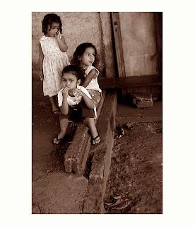 As crianças, a solidão e a fome