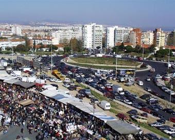 Uma imagem da Feira do Relógio, em Lisboa