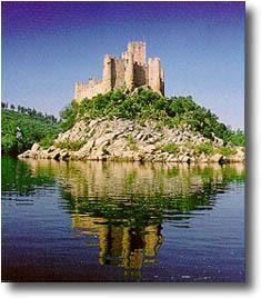 Um dos candidatos, o Castelo de Almourol