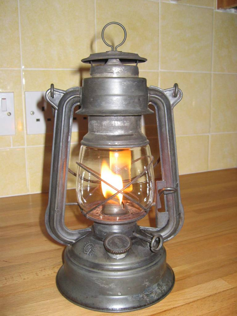 amanda zimmer 39 s 3d hurricane lamp. Black Bedroom Furniture Sets. Home Design Ideas